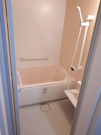 土壁が落ち、寒い浴室が、機能的なスペースになりました★